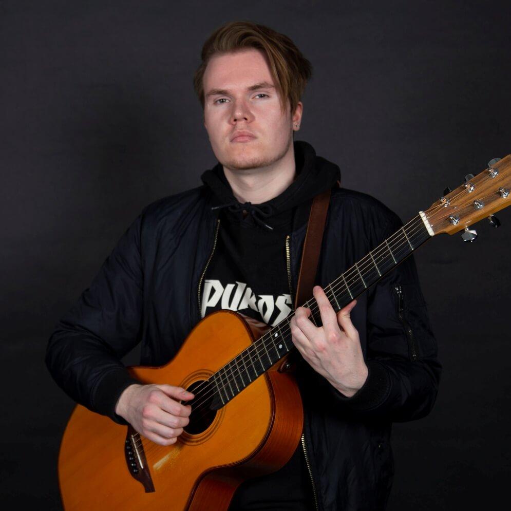 Olli Tomberg - Virtuoosit.fi